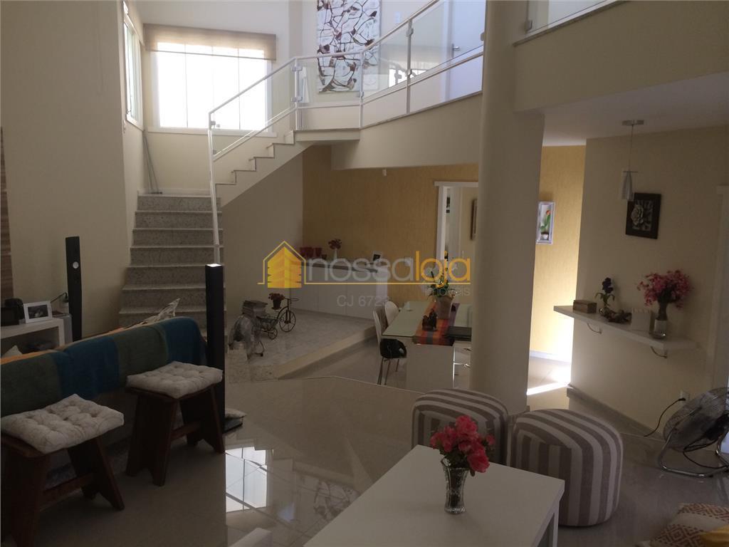Espetacular Casa Duplex, Toda Mobiliada, 2 Varandas, Sala, 3 Qtos, Ste, Lavabo, 2 Banhos, Copa Coz, Área, Deps, 2 Vgas, Piscina.