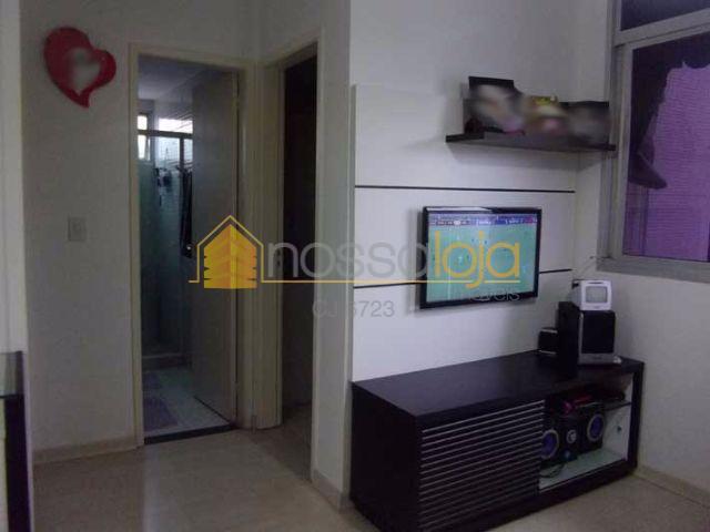 excelente apartamento em condomínio com play cube, próximo a alameda, piso laminado na sala e quartos...