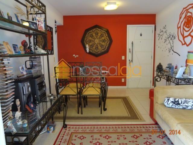Apto Frente, Mobiliado, Varandão, Sala, 2 Quartos, Suite, Banho, Cozinha L, Área, Banho Empregada e 1 vaga.