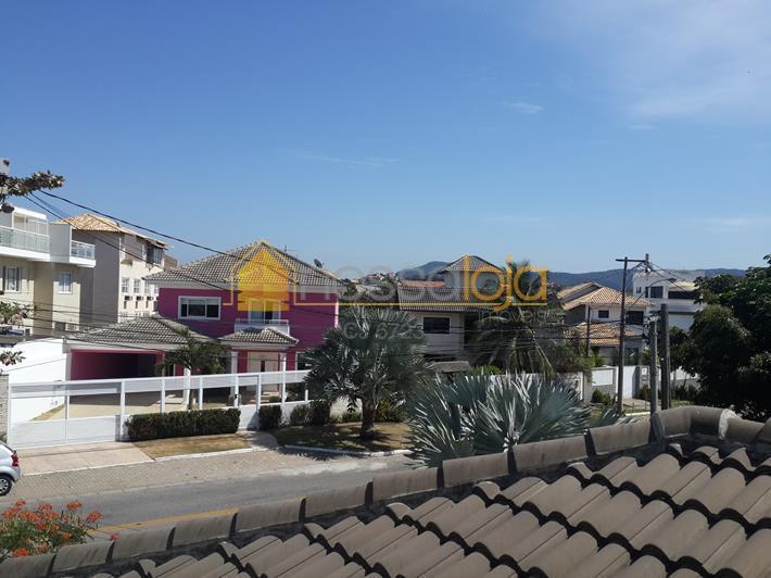 localização privilegiada, próximo a praia, 1 locação, construída sobrelages, com materiais de 1 qualidade. 1° piso...