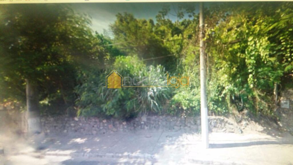 excelente terreno residencial com aproximadamente 2.000m² localizado em pendotiba. próximo a ponto de ônibus e farto...
