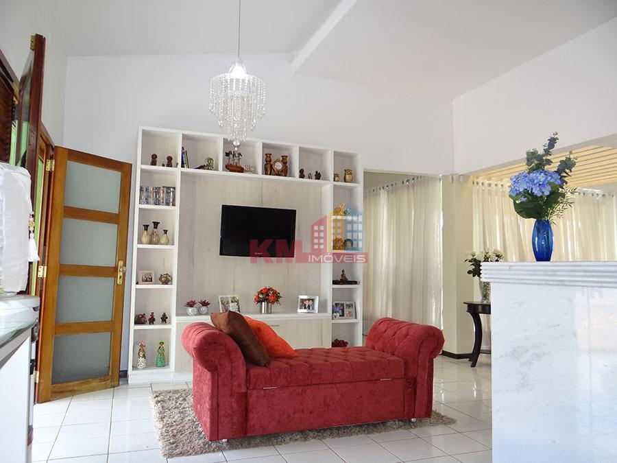 Aluga-se excelente sala comercial na Av João Escóssia