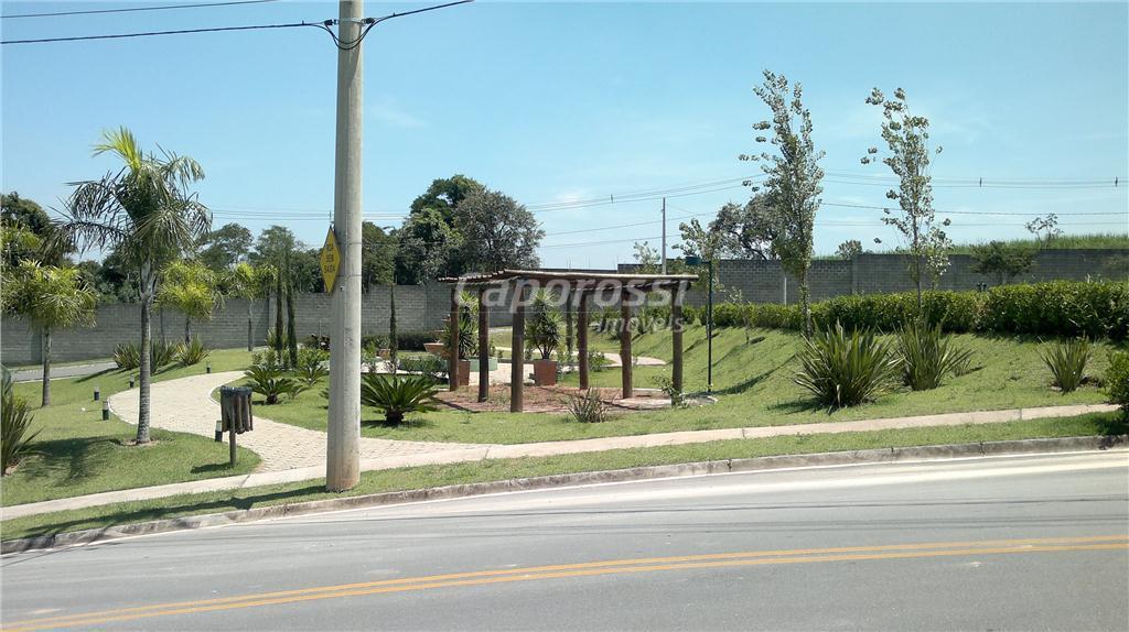 lindo terreno de esquina em condomínio pequeno com 45 casas.local muito agradável e com localização privilegiada...