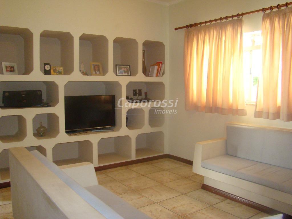 maravilhosa casa destinada à residencia ou comércio. com possibilidade de formatar 10 salas ou mais, o...