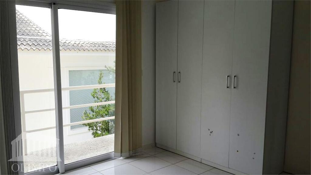 metragem (m²):total: 750m² / constrída: 390m²número de dormitórios:4número de suíte:4banheiros:3posição do sol:nascentevaga de garagem:6estrutura de segurança:segurança...