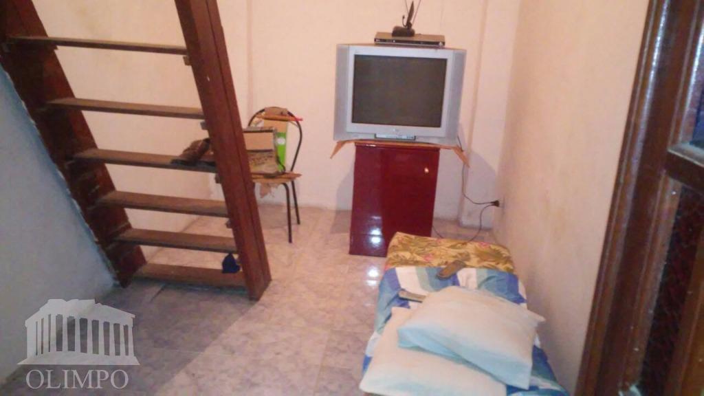 metragem:total: 220m² (util: 141m² - sotão: 50m² - subsolo: 30m²) número de dormitórios:3número de banheiros:2vaga de...