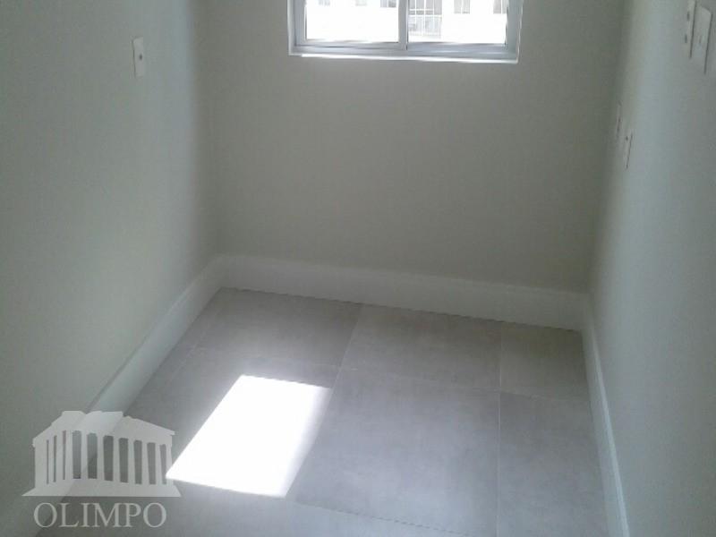 metragem:56 m²número de dormitórios:2/4número de banheiros:1número de elevadores:2vaga de garagem:1estrutura de segurança:portaria 24hestrutura de lazer:completaobservações:imóvel primeira...