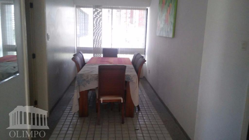 número de dormitórios:4número de suíte:3número de banheiros:4posição do sol:nascentenúmero de elevadores:2vaga de garagem:2estrutura de segurança:portariaestrutura de...