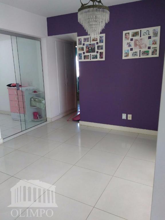 Apartamento à venda, Candeal, Salvador.