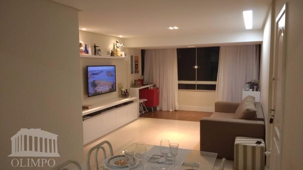 Apartamento à venda, Costa Azul, Salvador - AP0693.