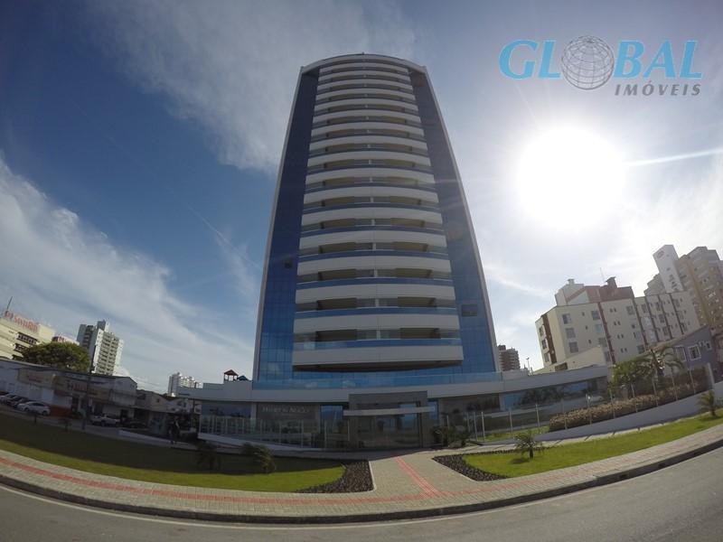 Apartamento residencial à venda, Estreito, Florianópolis.