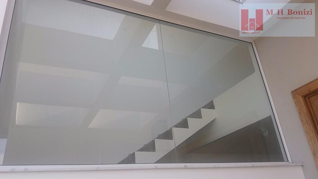 casa linda, espaçosa, nova. www.mhbonizi.com.brcom 3 suites, portas e janelas das suites automatizada, sala integrada ao...