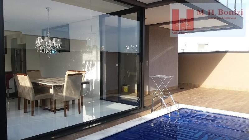 Casa à venda com 3 Suítes, Residencial Real Park, Arujá, SP.