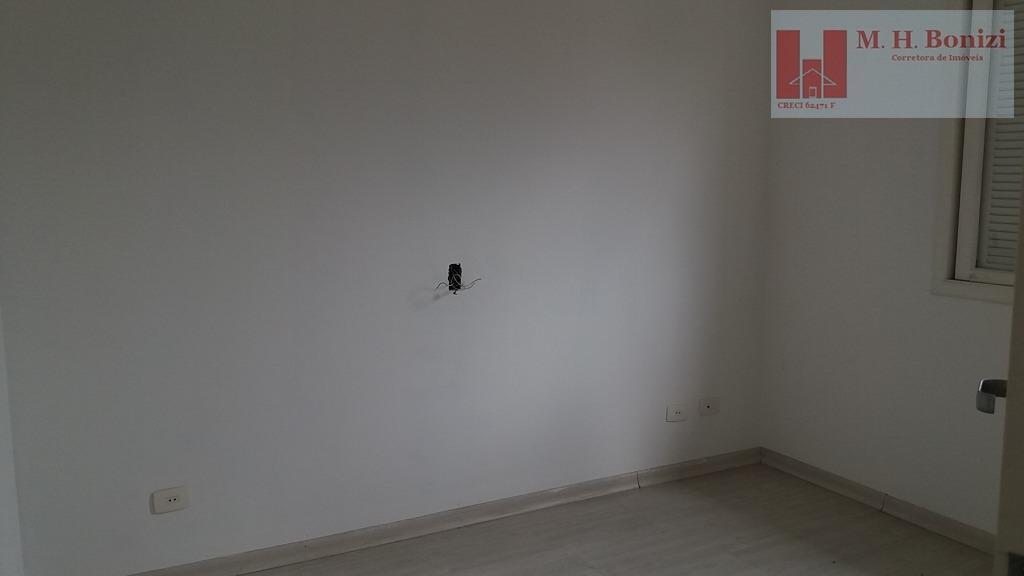 casa linda no condomínio arujazinho iv, vista privilegiada.sala e cozinha amplas, varanda, 3 suítes, sendo uma...