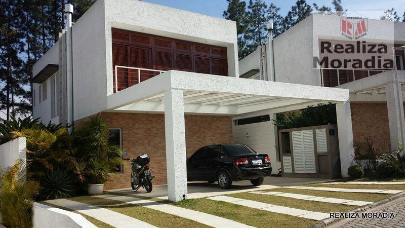 Casa 03 Dorms Semi Nova com Armários e Piscina 4 vagas na Granja Viana