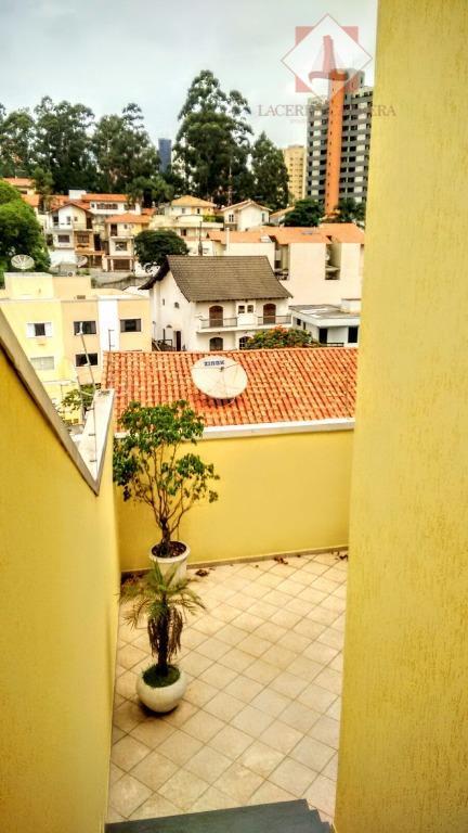 sobrado em rua tranquila e arborizada, com excelente vista em bolsão residencial com segurança particular, próximo...