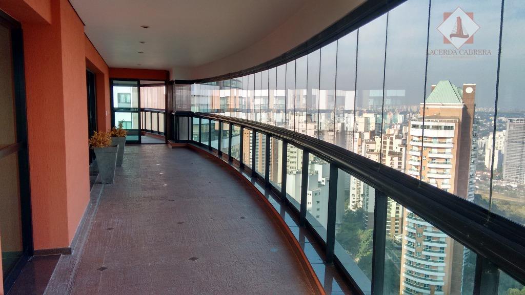 Ótimo apartamento no Panamby com vista espetacular!