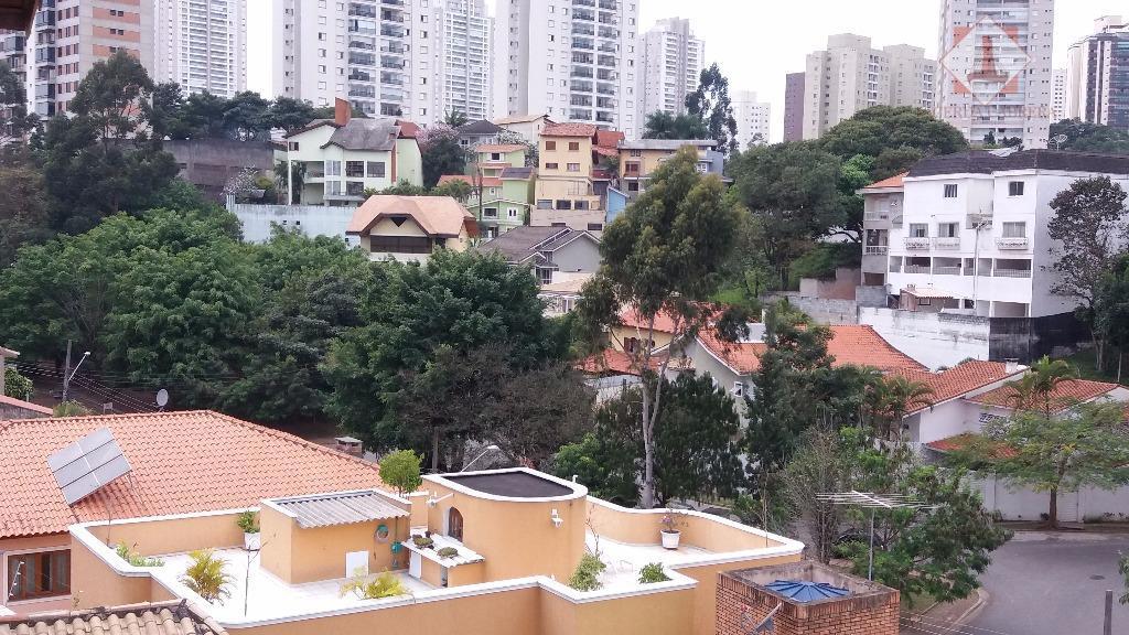 rua tranquila e arborizada em bolsão residencial com segurança particular, próximo a toda infraestrutura do portal...