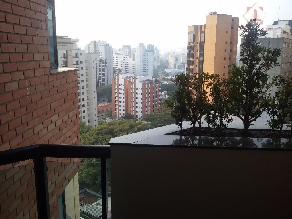 excelente apartamento para locação na vila nova conceição, muito bem decorado, 290 m2., com 04 drs.,...