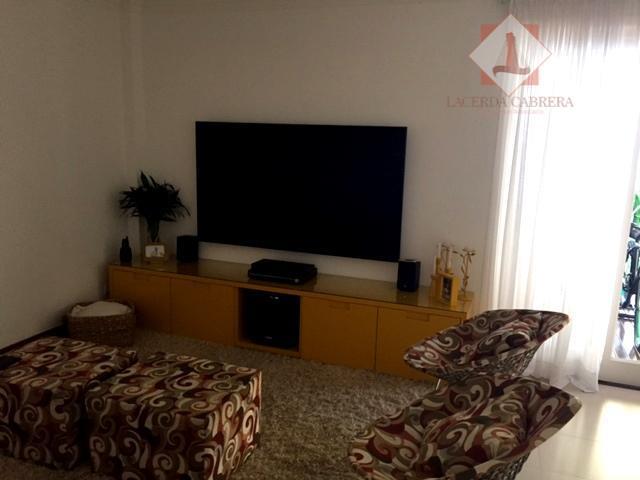 linda casa em condomínio fechado de alto padrão, portaria e segurança, local muito tranquilo e seguro....