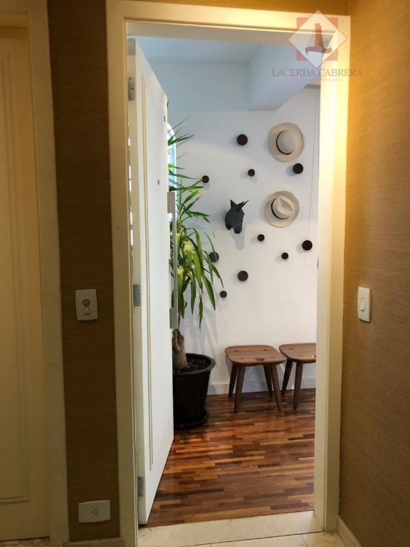 excelente apto. para venda no campo belo com localização espetacular.131 m2, sendo , 2 suites, lavabo,...
