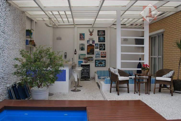 Espetacular casa à venda em Cond. fechado no Campo belo!