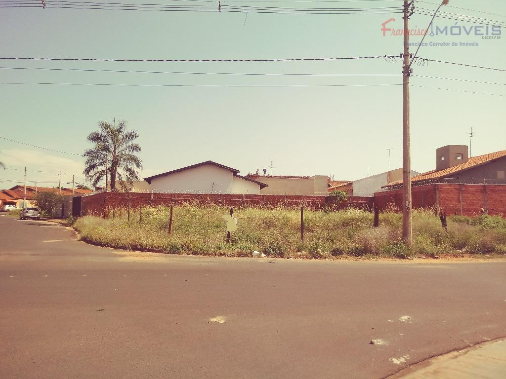 bom investimento para edificar sua residencia ou pousada, casa de apoio, kitnets , etc...próximo ao madre...