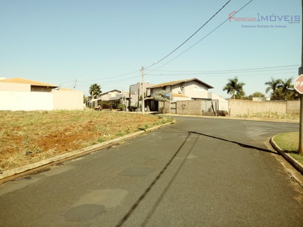 venha com sua família morar em uma excelente localização. belas residencias, fácil acesso, próximo ao north...