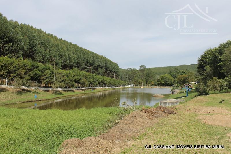 sítio-pesqueiro em pleno funcionamento, são 27.000 m² bem localizado, próxima do centro da cidade. são mais...