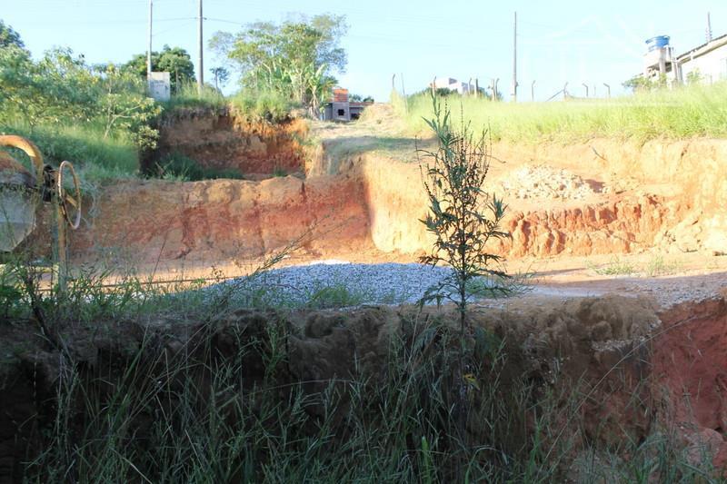 terreno em biritiba-mirim, já com casa em construção.500m²