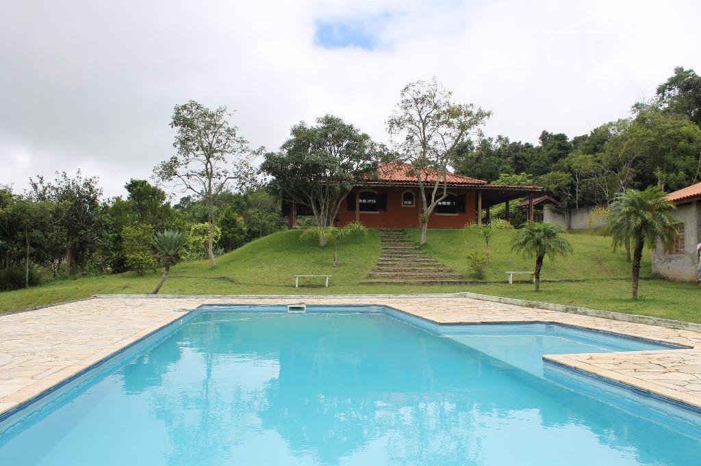 Chácara completa em Biritiba Ussu á 25 min da Praia