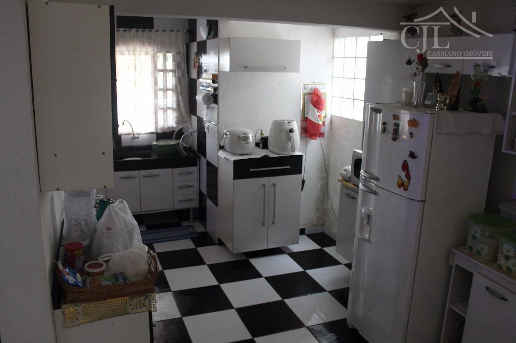 ótima casa em biritiba mirim.-casa sede 3 dormitórios sendo todos com sacada de porta balcão e...