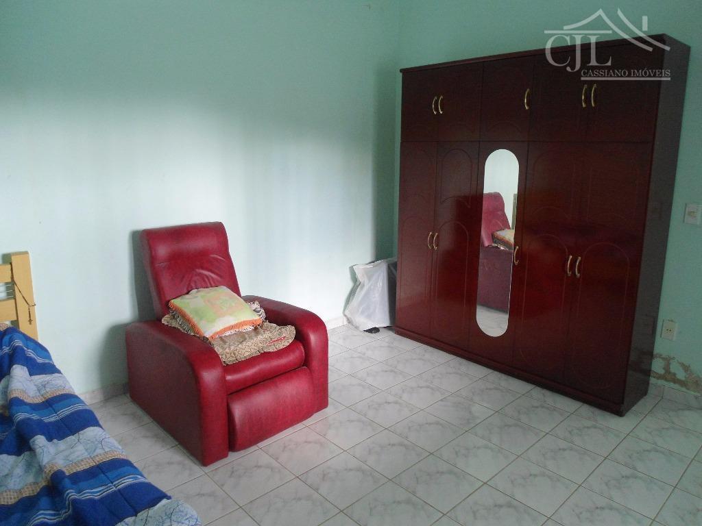 casa localização privilegiada perto de todo que você precisa, casa ótima com 3 dormitórios (1 suíte),...