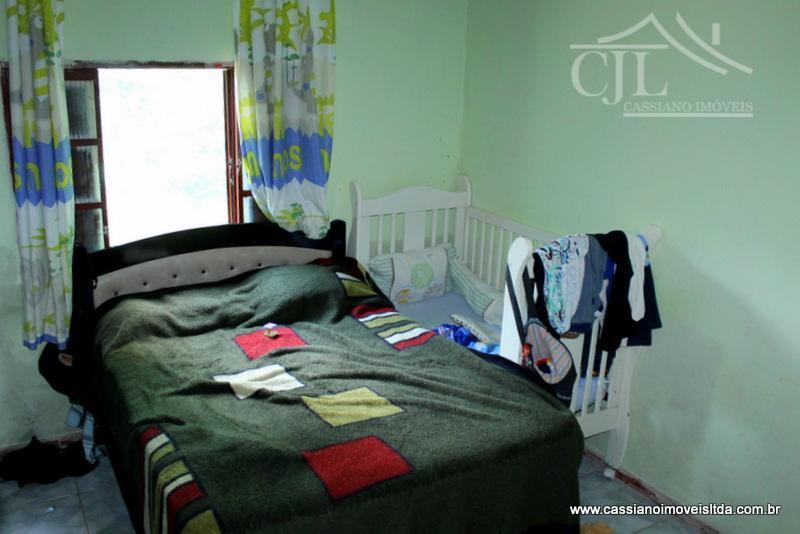 casa muito boa á venda - são 2 dormitórios.- sala bem ampla.- cozinha e área de...