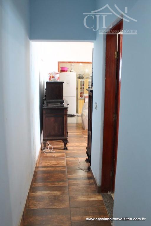 belíssima casa no melhor bairro da cidade.- casa com 2 dormitórios sendo 1 com suíte.- sala...