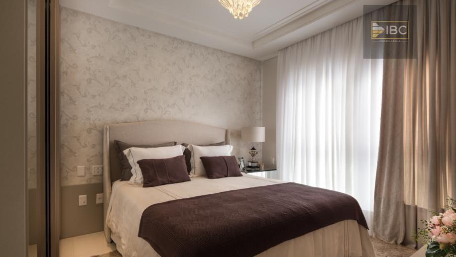 entrada r$ 396.000,00 + ( saldo parcelado em 72 meses ): 04 dormitórios, face leste, sacada...