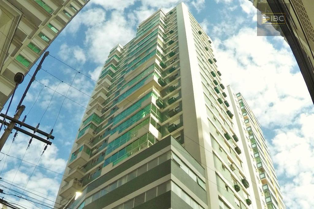 02 dormitórios + dependência de empregada a venda no Ed. Vitória Regia