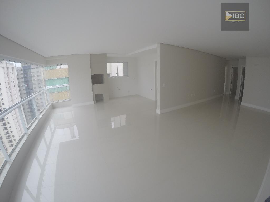 Apartamento 02 suítes novo Quadra Mar em Balneário Camboriú/SC