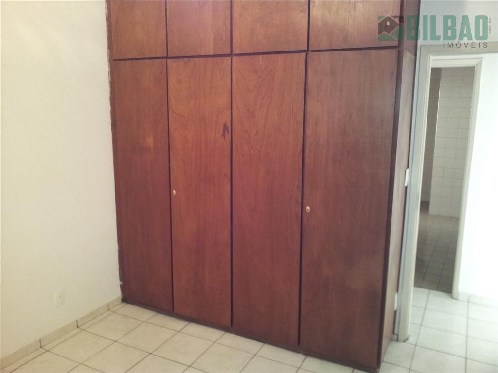 ótimo apartamento de 1 dormitório, armários, piso frio e garagem. excelente localização próximo ao centro de...