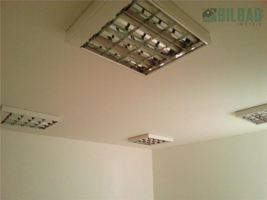 sala comercial de 60 m2, piso frio, copa, wc e estacionamento com manobrista. prédio moderno com...