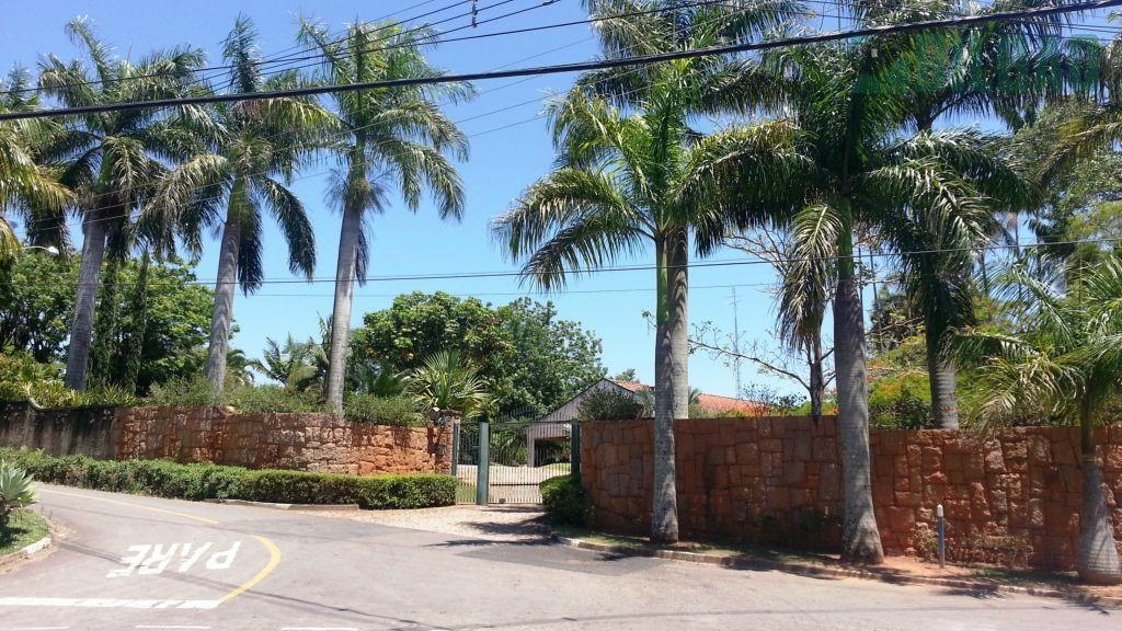 Casa Magnífica em Sousas com 4 suítes, quadra tênis profissional.