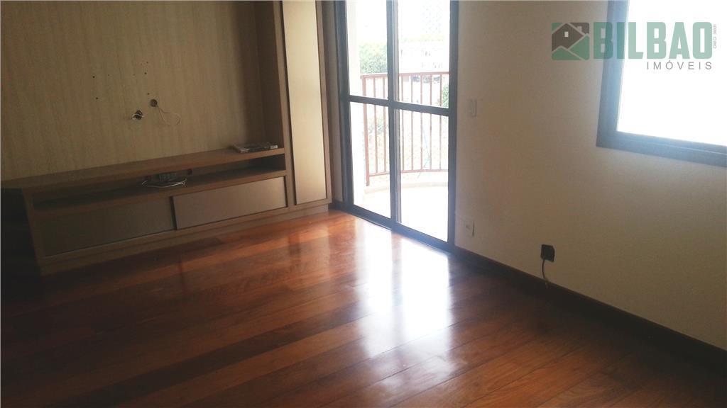 apartamento diferenciado com 3 dormitórios, sendo um suíte com hidro, ricamente planejado com armários de primeira...