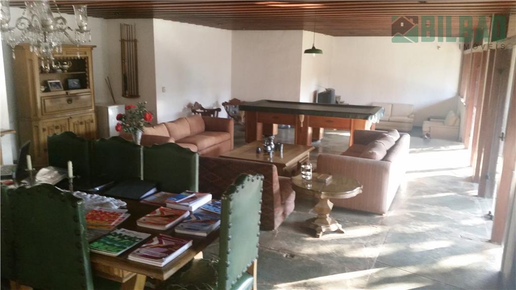 ótima localização, 535 m2 de construção, 1050 m2 terreno, 4 suítes e amplas salas. agende uma...