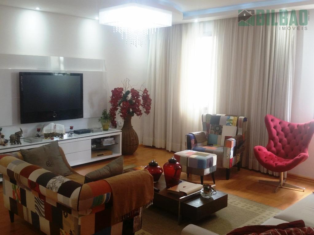 lindo apartamento com 3 dormitórios, sendo 1 suíte, 144m² de área útil, totalmente reformado em 2016...