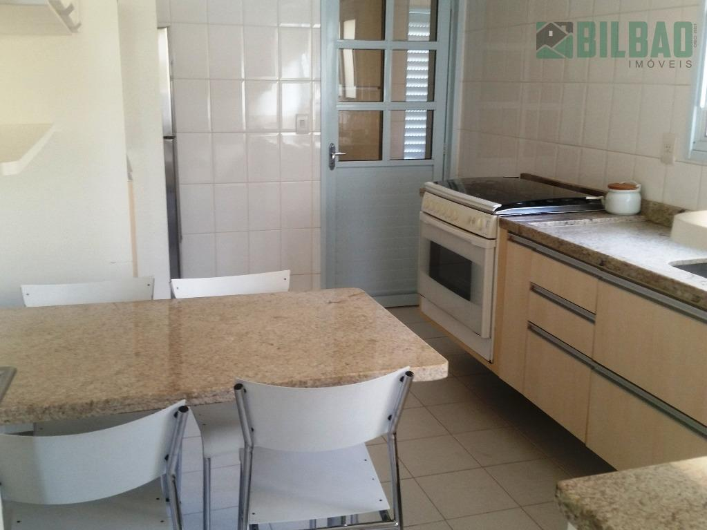 ótima casa em condomínio com localização privilegiada em campinas, com quatro dormitórios, sendo três suítes, amplo...
