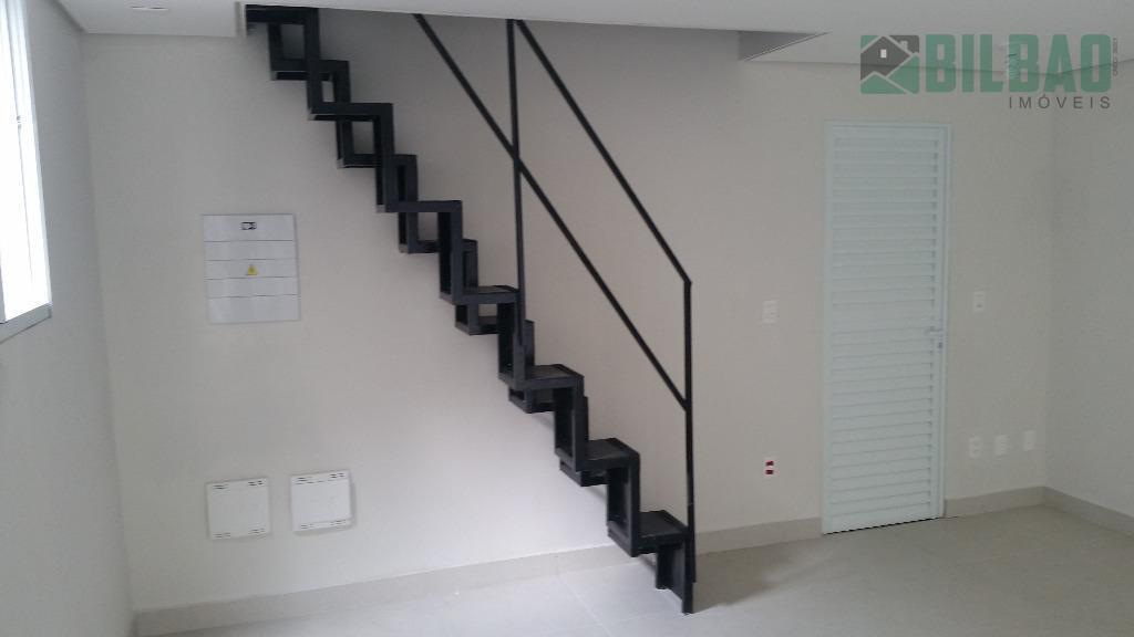 salão comercial 30 m2 + mezanino e wc. ótimo ponto!! agende uma visita!! bilbao imóveis f:...