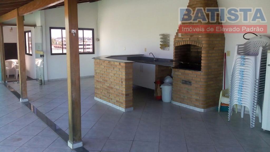 Apartamento residencial para locação, São Benedito, Pindamonhangaba.