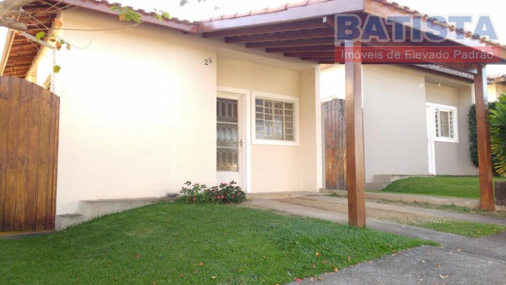 Casa residencial para venda e locação, Jardim Cristina, Pindamonhangaba.