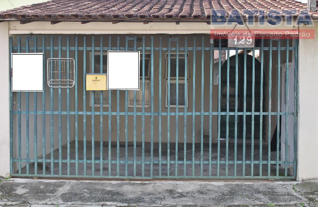 Casa residencial para venda e locação, Conjunto Residencial Araretama, Pindamonhangaba.
