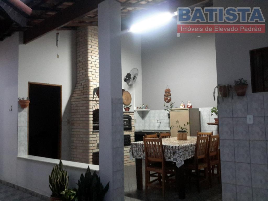 Casa residencial à venda, Conjunto Habitacional Terra dos Ipês I (Sul), Pindamonhangaba.